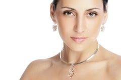 Retrato de uma mulher triguenha bonita Fotos de Stock Royalty Free