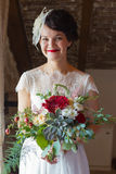 Retrato de uma noiva de sorriso Fotografia de Stock Royalty Free