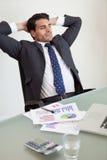 Retrato de uma pessoa relaxed das vendas Imagens de Stock Royalty Free