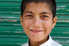 Retrato de un adolescente asiático del sur joven Foto de archivo