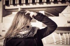 Retrato de un adolescente con el lápiz labial negro Imagen de archivo libre de regalías