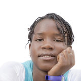 Retrato de un adolescente del Afro, aislado, aislado, ningún maquillaje Imagen de archivo libre de regalías