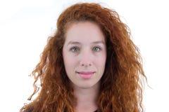 Retrato de un adolescente Dirija el tiro Ella es redheaded y youn Imagen de archivo