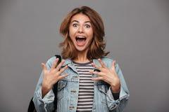 Retrato de un adolescente emocionado feliz Imagen de archivo