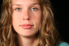 Retrato de un adolescente hermoso foto de archivo