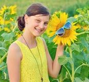 Retrato de un adolescente joven hermoso Fotografía de archivo libre de regalías