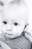 Retrato de un bebé - blanco y negro Fotografía de archivo libre de regalías