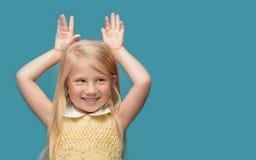 Retrato de un bebé que sonríe Imagenes de archivo