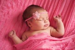 Retrato de un bebé recién nacido hermoso Imágenes de archivo libres de regalías