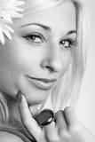Retrato de un blonde atractivo hermoso Imagenes de archivo