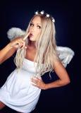 Retrato de un blonde en traje del ángel Imagenes de archivo