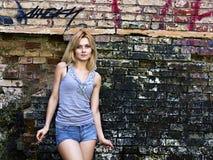 Retrato de un blonde sensual joven Fotos de archivo libres de regalías