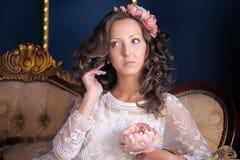 Retrato de un brunette joven Fotografía de archivo libre de regalías