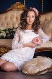 Retrato de un brunette joven Foto de archivo