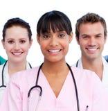 Retrato de un doctor y de sus personas médicas Fotografía de archivo libre de regalías