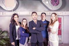 Retrato de un grupo de empresarios jovenes imagen de archivo
