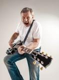 Retrato de un guitarrista Fotografía de archivo libre de regalías