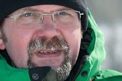 Retrato de un hombre congelado fotos de archivo