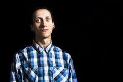 Retrato de un hombre fresco joven con los dreadlocks Foto de archivo libre de regalías