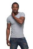 Hombre del afroamericano en actitud de la moda fotografía de archivo