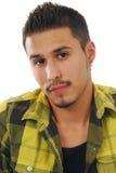 Retrato de un hombre hispánico joven Fotos de archivo