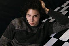 Retrato de un hombre joven imagen de archivo libre de regalías