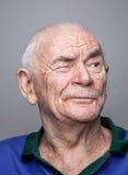 Retrato de un hombre mayor imagenes de archivo