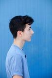 Retrato de un hombre rebelde del adolescente Imagenes de archivo