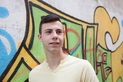 Retrato de un hombre rebelde del adolescente Fotos de archivo