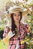 Retrato de un jardinero hermoso Fotos de archivo libres de regalías