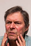 Retrato de un mayor infeliz Imagenes de archivo
