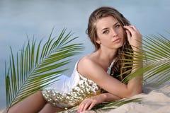 Retrato de un modelo joven hermoso foto de archivo libre de regalías