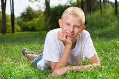 Retrato de un muchacho catorce años de edad Fotografía de archivo