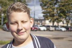 Retrato de un muchacho con hair1 rubio fotos de archivo libres de regalías