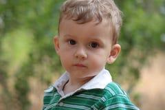 Retrato de un muchacho joven. Fotografía de archivo libre de regalías