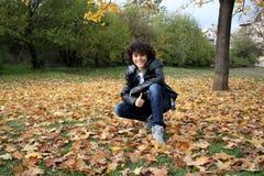 Retrato de un muchacho rizado hermoso Fotos de archivo libres de regalías