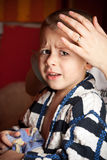 Retrato de un muchacho triste imagen de archivo