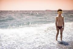 Retrato de un niño de la natación fotos de archivo