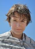 Retrato de un niño después de una nadada Foto de archivo