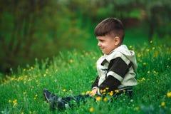 Retrato de un niño feliz imágenes de archivo libres de regalías