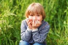Retrato de un niño pequeño lindo Imágenes de archivo libres de regalías