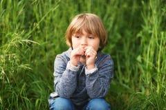 Retrato de un niño pequeño lindo Imagen de archivo libre de regalías