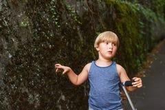 Retrato de un niño pequeño lindo Fotos de archivo