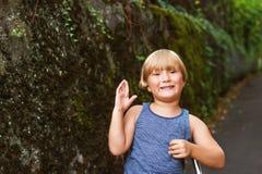 Retrato de un niño pequeño lindo Imagen de archivo
