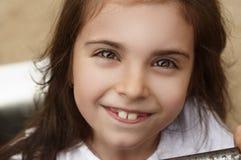 Retrato de un niño sonriente foto de archivo