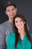 Retrato de un par joven feliz del adolescente en amor Fotografía de archivo libre de regalías