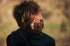 Retrato de un pequeño niño del vagabundo Cabrito sin hogar Imagenes de archivo