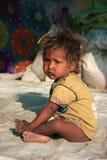 Retrato de un pequeño niño del vagabundo Cabrito sin hogar Imagen de archivo