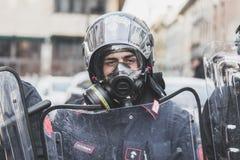 Retrato de un policía en Milán, Italia Fotografía de archivo