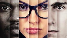 Retrato de un serio mirando a tres personas dos hombres y una mujer foto de archivo